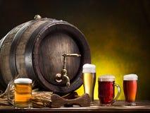 Pin de la cerveza y del vidrio de cerveza Fotografía de archivo libre de regalías