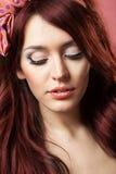 Pin encima de la muchacha con el pelo hermoso imagen de archivo