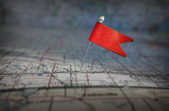 Pin-Flagge auf Karte Lizenzfreies Stockbild