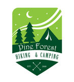 Pin Forest Hiking et logo de camping Photos stock