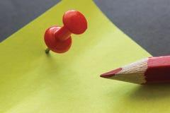 Pin Note Pencil Foto de archivo libre de regalías