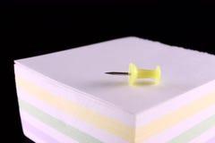 Pin und der Block der Anmerkungen Lizenzfreies Stockbild