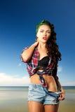 Pin-up-Girl am Erholungsort Lizenzfreies Stockbild