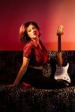 Pin Up med gitarren Arkivbilder