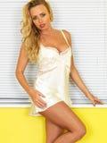 Pin Up Model joven atractivo en ropa interior Foto de archivo libre de regalías