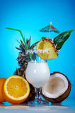 Pina Colada - Cocktail met Room Royalty-vrije Stock Afbeelding