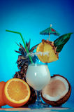 Pina Colada - Cocktail mit Sahne Lizenzfreie Stockbilder