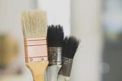 Pinceau avec la poign?e en bois photos libres de droits