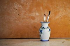 Pinceau dans le vase Image libre de droits