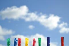 Pinces à linge colorées Photographie stock
