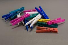 Pinces à linge colorées Photos libres de droits