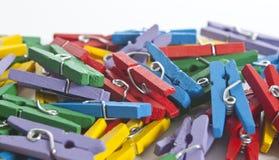 Pinces à linge colorées avec l'orientation molle Photo stock