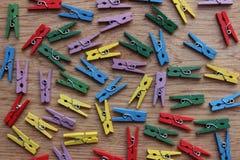 Pinces à linge en bois Photographie stock libre de droits