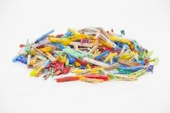 Pinces à linge multicolores Image stock