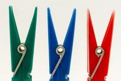 Pinces à linge - pinces à linge Photographie stock libre de droits