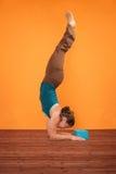 Pincha Mayurasana Yoga-Haltung Lizenzfreies Stockbild