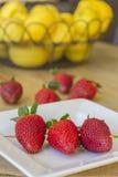 Pincho de fresas Imagen de archivo libre de regalías