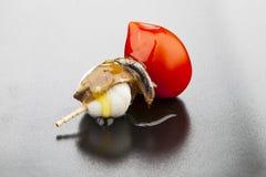 Pincho dell'acciuga, del pomodoro e della mozzarella Immagini Stock