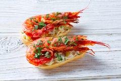 Pinchos de crevette avec des tapas de l'Espagne de fruits de mer Photographie stock libre de droits