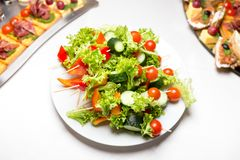 Pinchos de verduras frescas foto de archivo libre de regalías