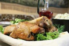 Pinchos del pollo en pan Pita Foto de archivo libre de regalías