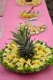 Pineappele dans les morceaux Photo libre de droits
