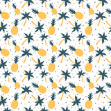 Pineapples and palm trees seamless pattern Royalty Free Stock Photography