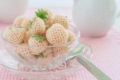 Pineberries 库存照片