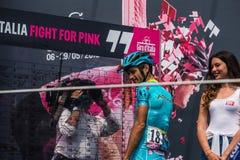 Pinerolo, Италия 27-ое мая 2016; Мишель Scarponi, команда Астаны, к подписям подиума перед началом этапа Стоковое Фото