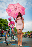 Pinerolo, Италия 27-ое мая 2016; Стивен Kruijswijk, команда Lotto, в розовом jersey и в переднем ряде готовом для того чтобы нача Стоковые Изображения RF