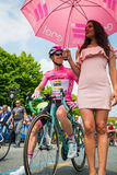 Pinerolo, Италия 27-ое мая 2016; Стивен Kruijswijk, команда Lotto, в розовом jersey и в переднем ряде готовом для того чтобы нача Стоковое фото RF