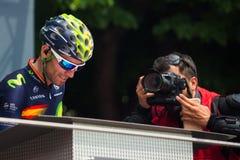 Pinerolo, Италия 27-ое мая 2016; Alejandro Valverde, команда Movistar, к подписям подиума перед началом этапа Стоковое Фото