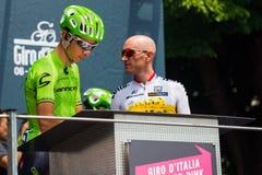 Pinerolo, Италия 27-ое мая 2016; Davide Formolo, команда Cannondale, к подписям подиума перед началом трудного sta горы Стоковые Изображения RF
