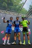 Pinerolo, Италия 27-ое мая 2016; Moreno Moser, команда Cannondale, с Trentin и Brambilla к подписям подиума перед стартом Стоковая Фотография RF