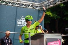Pinerolo, Италия 27-ое мая 2016; Rigoberto Uran, команда Cannondale, к подписям подиума перед началом трудного sta горы Стоковые Изображения