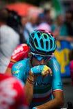 Pinerolo, Italie le 27 mai 2016 ; Vincenzo Nibali, équipe d'Astana, concentrée dans le groupe avant le début de l'étape Photo libre de droits