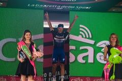 Pinerolo, Włochy Maj 26, 2016; Matteo Trentin na podium po wygrywać scenę Zdjęcia Stock