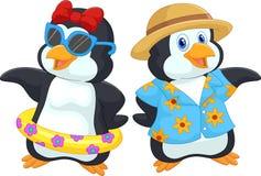 Pingüino lindo de la historieta en vacaciones de verano ilustración del vector
