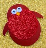 Pingüino rojo decorativo foto de archivo libre de regalías