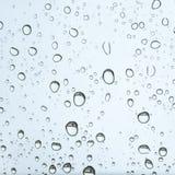 Pingos de chuva na textura de vidro do carro Imagens de Stock