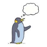 pingouin de bande dessinée ondulant avec la bulle de pensée Image libre de droits