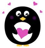 Pingouin mignon jugeant le coeur rose d'isolement sur le blanc Images stock