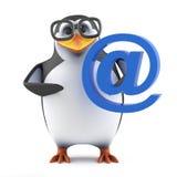pinguim 3d acadêmico que guarda um símbolo do endereço email Fotografia de Stock Royalty Free