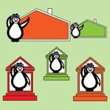 Pinguin mit Hut nahe dem Gebäude des Hauses lizenzfreie abbildung