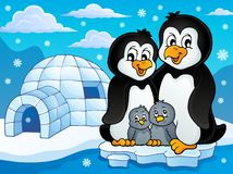 Pinguinfamilien-Themabild 2 Stockbild