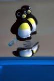 Pinguini su ghiaccio immagine stock