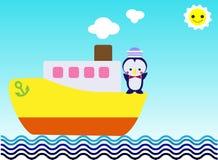 Pinguino sulla nave gialla da viaggiare sull'oceano Immagini Stock Libere da Diritti