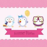 Pinguins bonitos dos desenhos animados em férias de verão imagem de stock