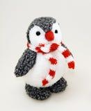 Pingwin zabawka w szaliku Zdjęcia Royalty Free