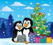 Pingwinu rodzinny Bożenarodzeniowy temat 2 Fotografia Royalty Free